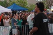 crowd0049